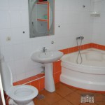 Toaleta Baie - Camin de batrani Sfantul Constantin si Elena